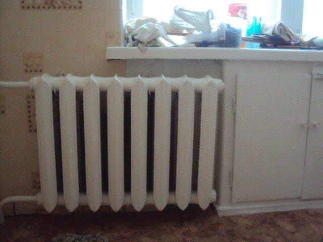 Чугунные радиаторы до сих пор весьма нередки в квартирах