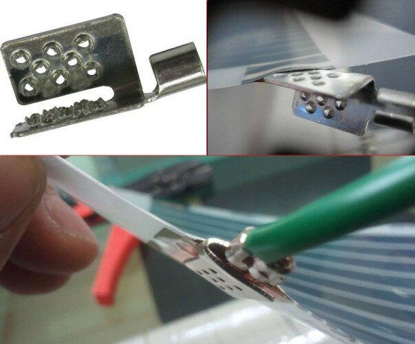 Правильное подключение - зажим вставляется между основанием пленки и токопроводящим элементом