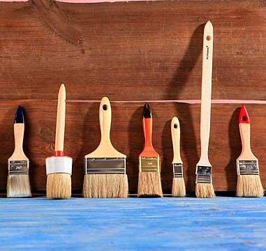 Кисточки - самый удобный инструмент для покраски