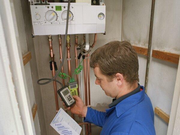 После установки обязательно производятся замеры по герметичности соединений