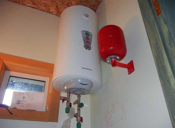 Вертикальный накопительный водонагреватель