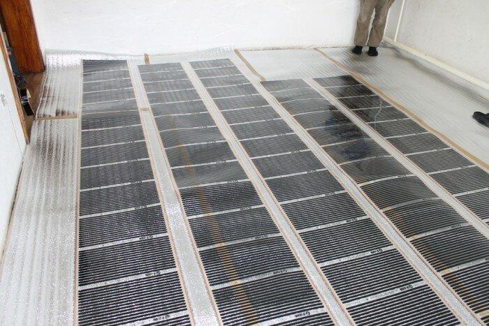 Расстояние между соседними полосами нагревательных элементов должно равняться 10-15 см